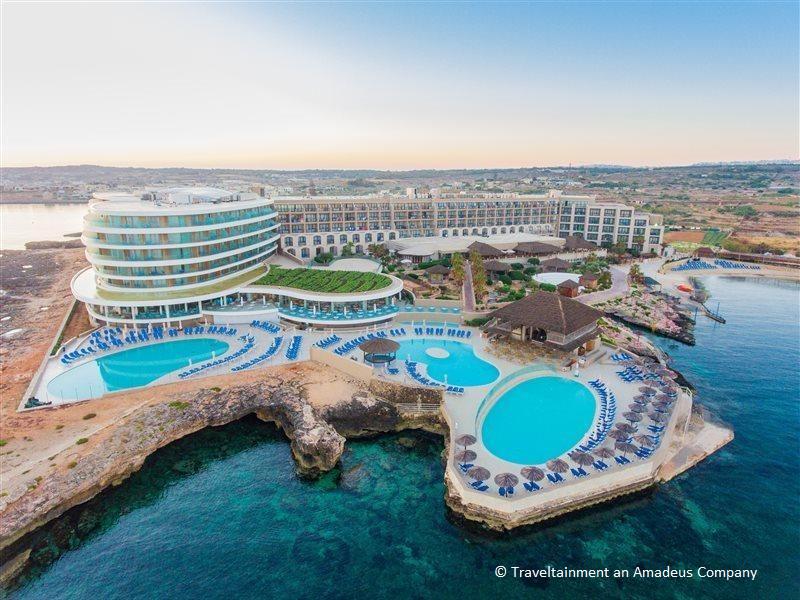 Malta – 4* Hotel Ramla Bay Resort
